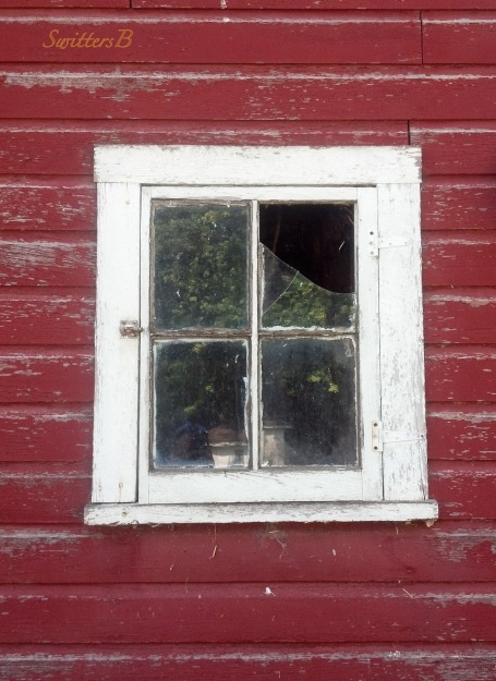old barn-broken window-farm-SwittersB