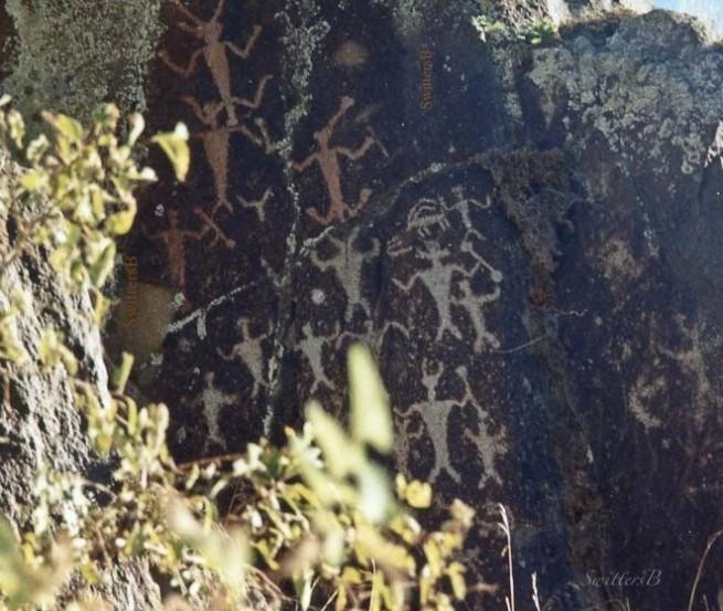 petroglyphs-snake river-SwittersB