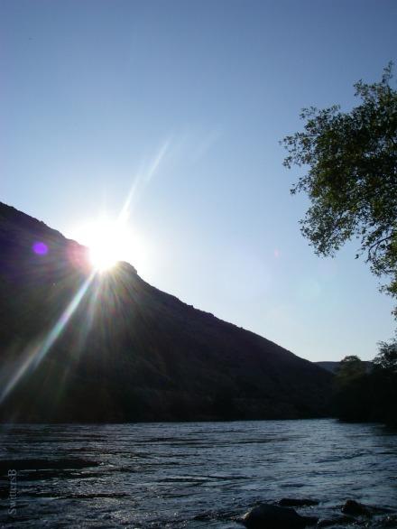SwittersB-sunset over rim-Deschutes River