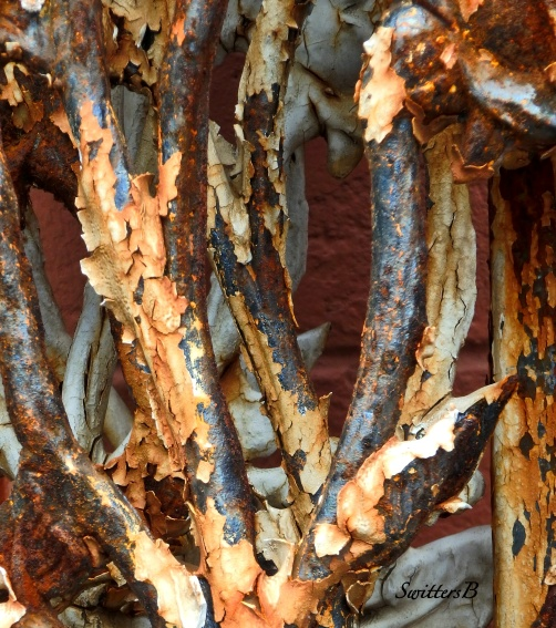 iron-peeling paint-rust-decay-SwittersB