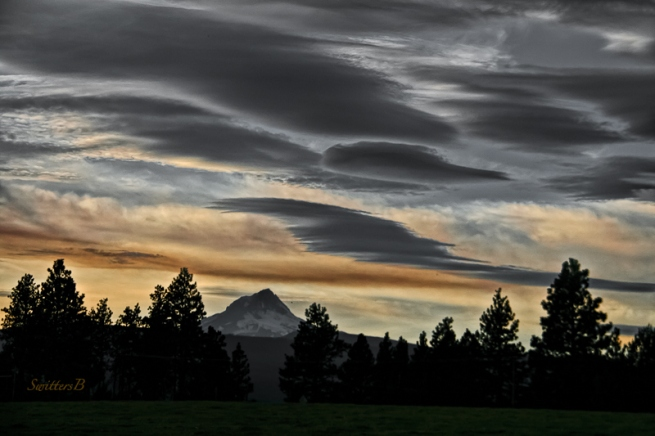 mt-hood-oregon-wamic-clouds-swittersb