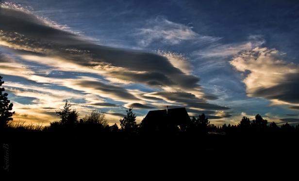 night-sky-cabin-clouds-swittersb