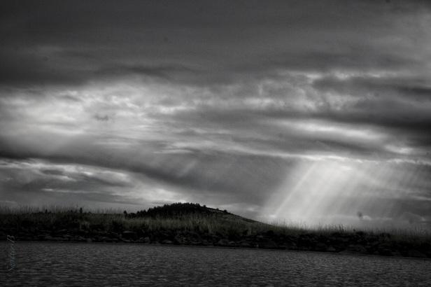 rays-penetrating-clouds-lake-swittersb