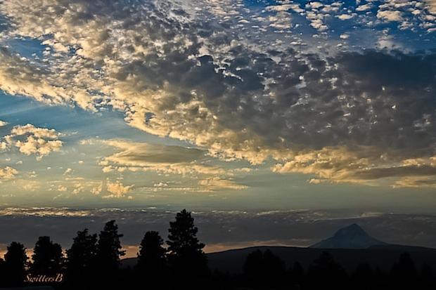 oregon-mt-hood-dusk-clouds-swittersb-edit