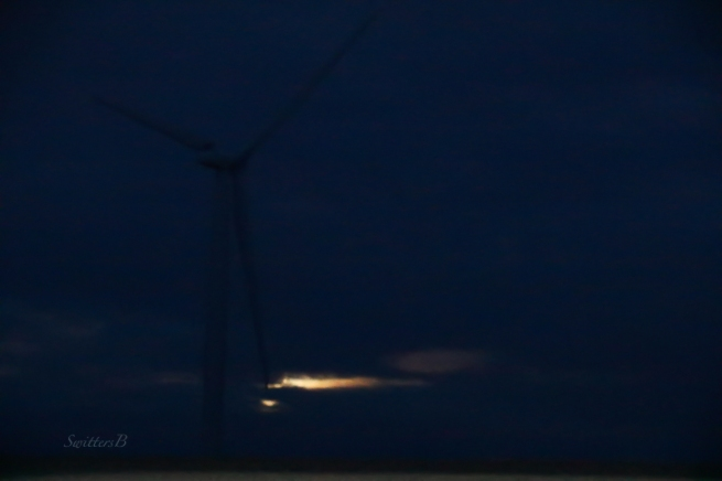 wind-turbine-moon-light-swittersb-2