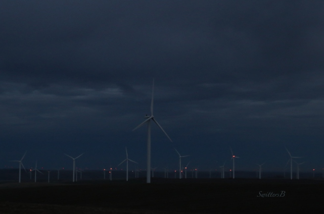 wind-turbines-rufus-oregon-swittersb