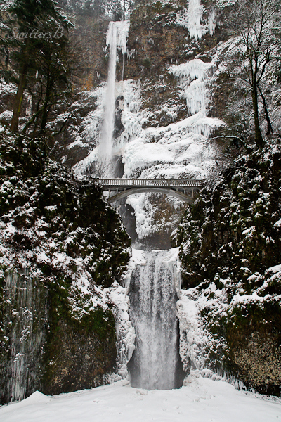 multnomah-falls-full-view-winter-swittersb