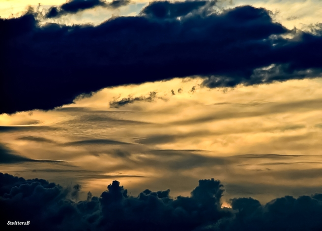 dark-clouds-sunset-layers-swittersb