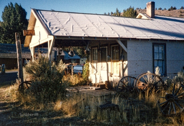 Frenchglen-old building-wagon wheels-SwittersB