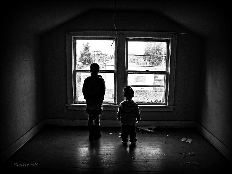 kids-attic window-old house-SwittersB-2