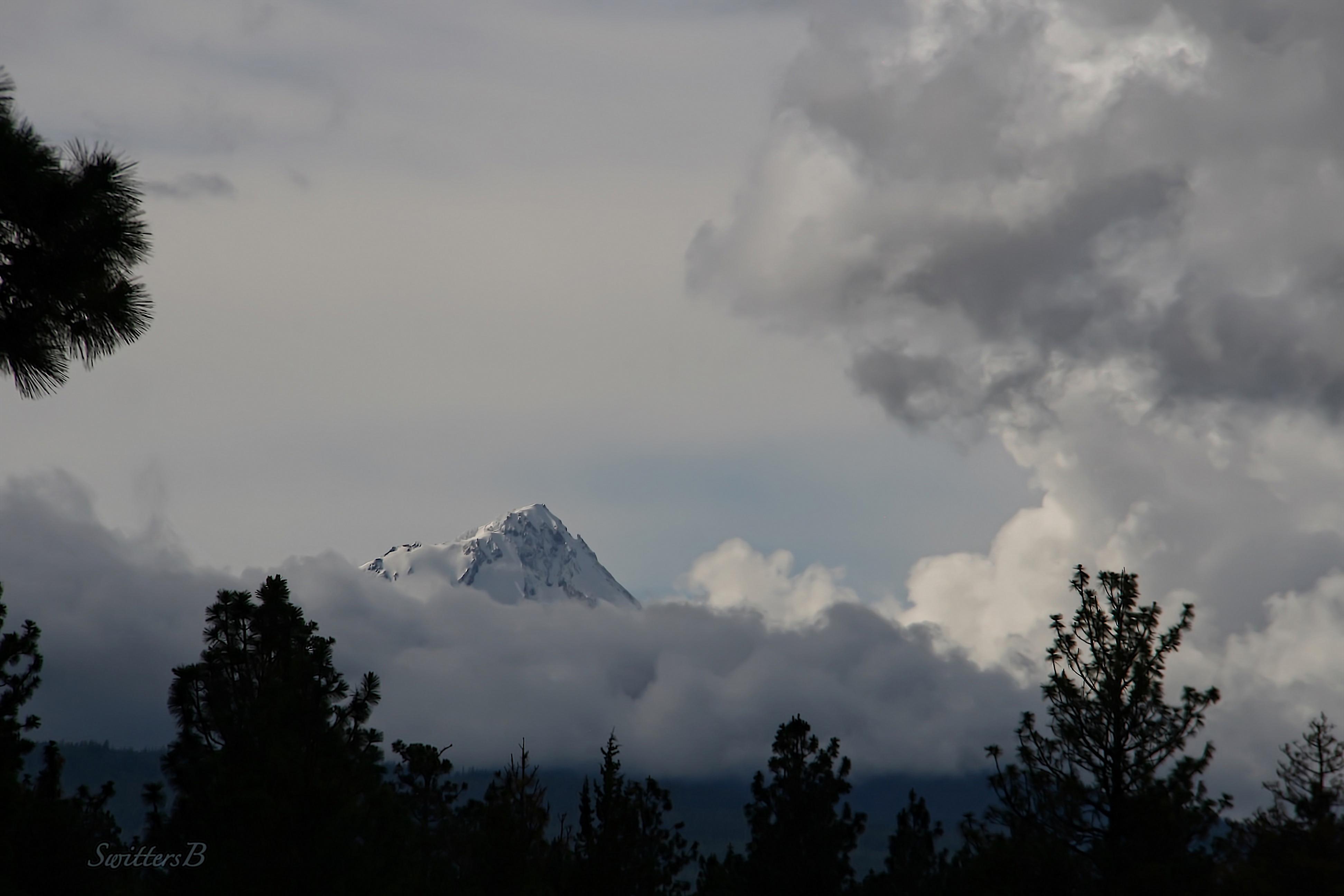 Mt. Hood-clouds-Oregon-SwittersB