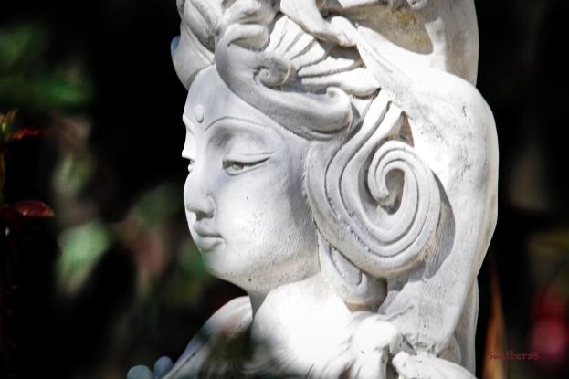 garden-statue-lady-SwittersB.jpg