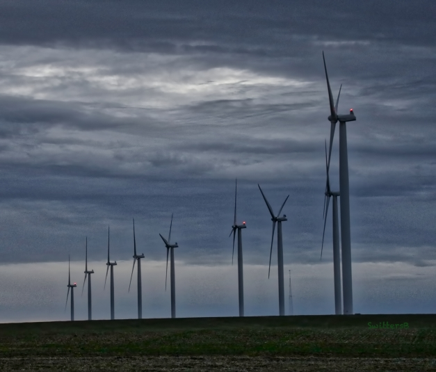 wind turbines-rufus-Oregon-SwittersB 2