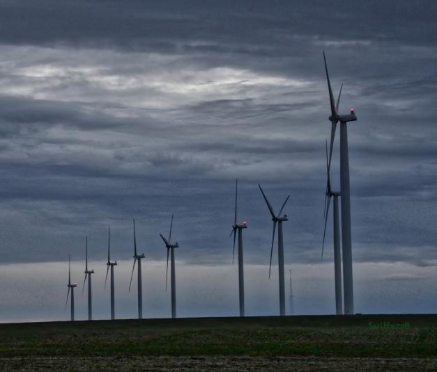 wind turbines-rufus-Oregon-SwittersB 2