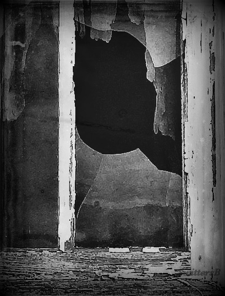 BW-hole-swittersb-black-white-old-window-rustic