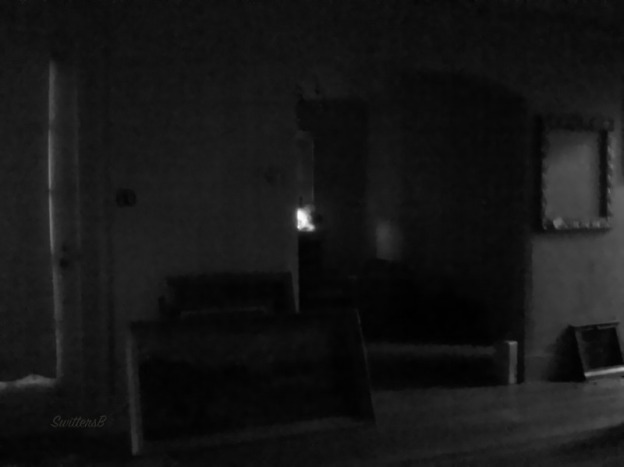 late night-empty room-BW-SwittersB