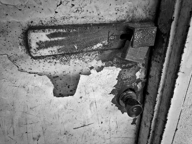 locked out-door-rust-bw-SwittersB 2.jpeg