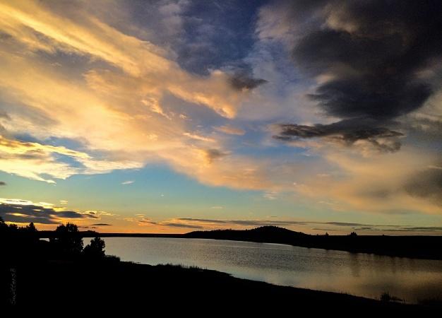 morning-clouds-lake-Oregon-SwittersB