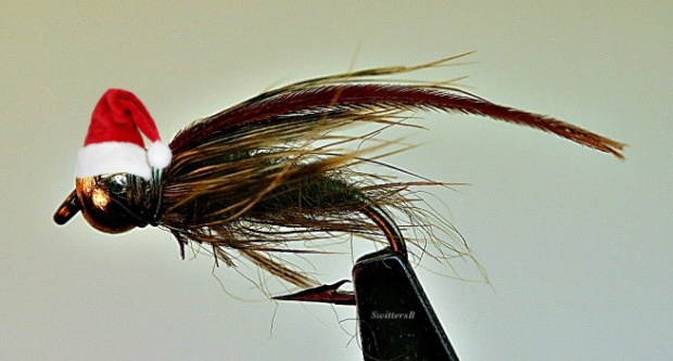 Santa Hat-macro-caddis-pupa-fly-tying-swittersb