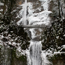 Multnomah Falls-full view-winter-SwittersB