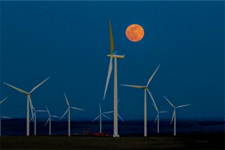 Full Moon Rising-Wind Turbines-Oregon-SwittersB
